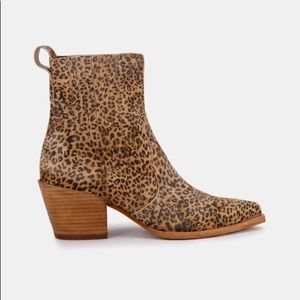Serna Dolce Vita Leopard Boots